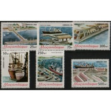 1988 MOZAMBIQUE Harbours MNH